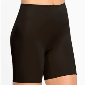 SPANX Power Conceal-Her® Black Mid-Thigh Short